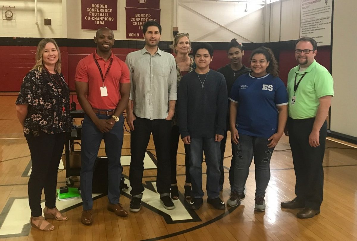 Author Matt de La Peña Shares Background, Inspires Students