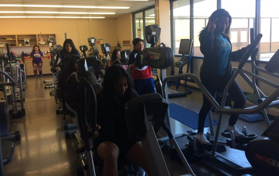 PE4Life Program Challenges Teens to Stay Healthy